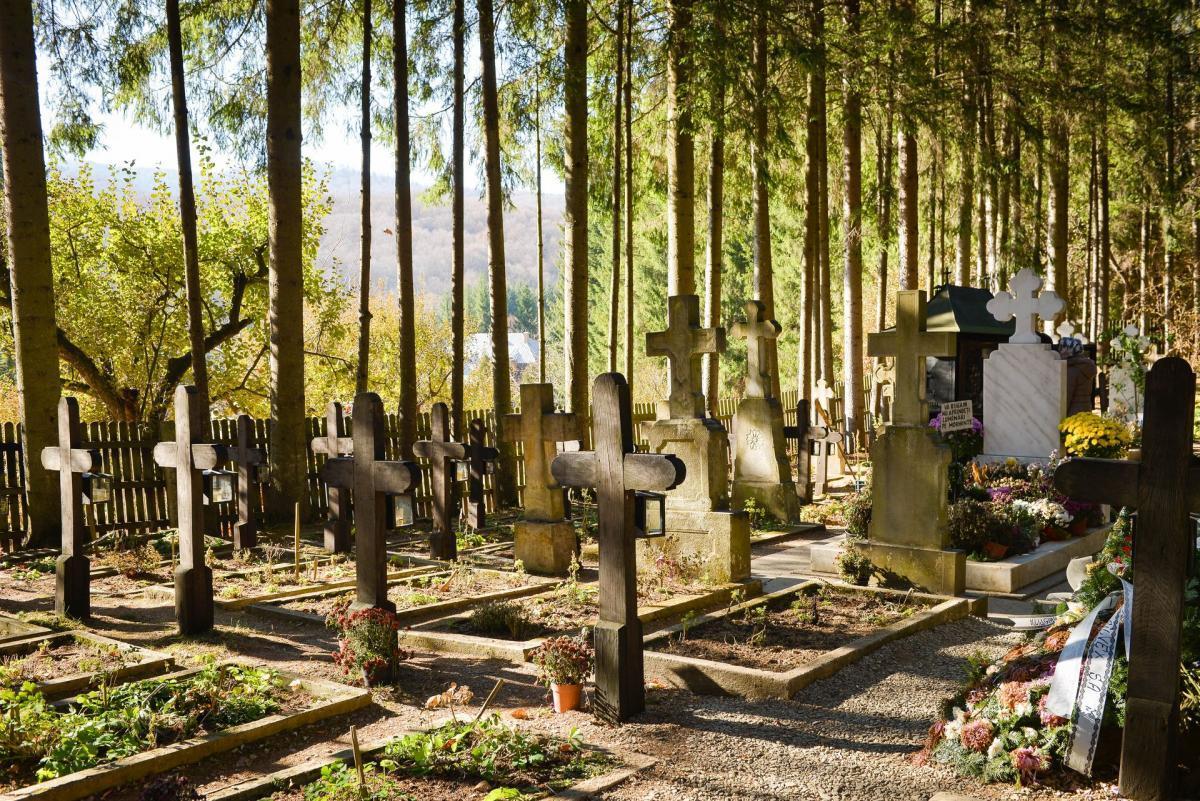 Imagini pentru cimitir